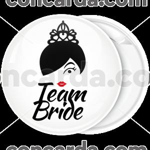 Kονκάρδα Team Bride kiss