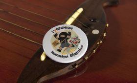 Reunion badges buttons